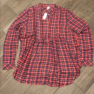NWT Gap Maternity plaid pintuck shirt; Size L